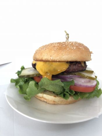 L.A. Bakery Cafe, Cheese Burger