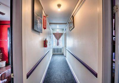 Morris Burner Hostel photo