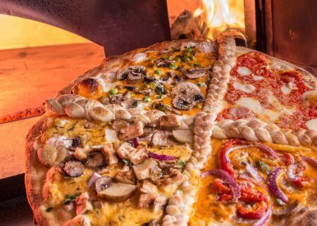 Flat Earth Pizza, QUATTRO CANTONE - Four Corners!