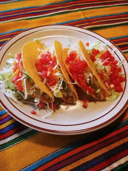 Si Amigos Mexican Restaurant, Taco Wednesdays