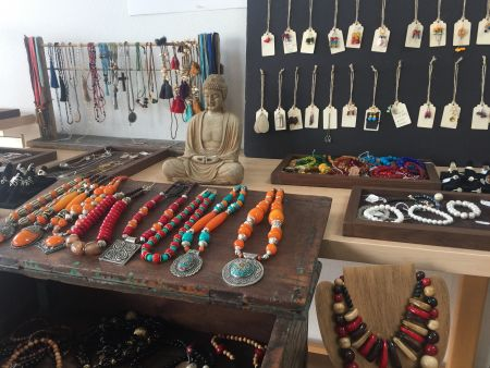 L.A. Bakery Cafe, Handcrafted Jewelry